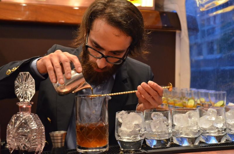 Photo for: How Pour Costs and Profit Margins Impact the Profitability of Your Bar